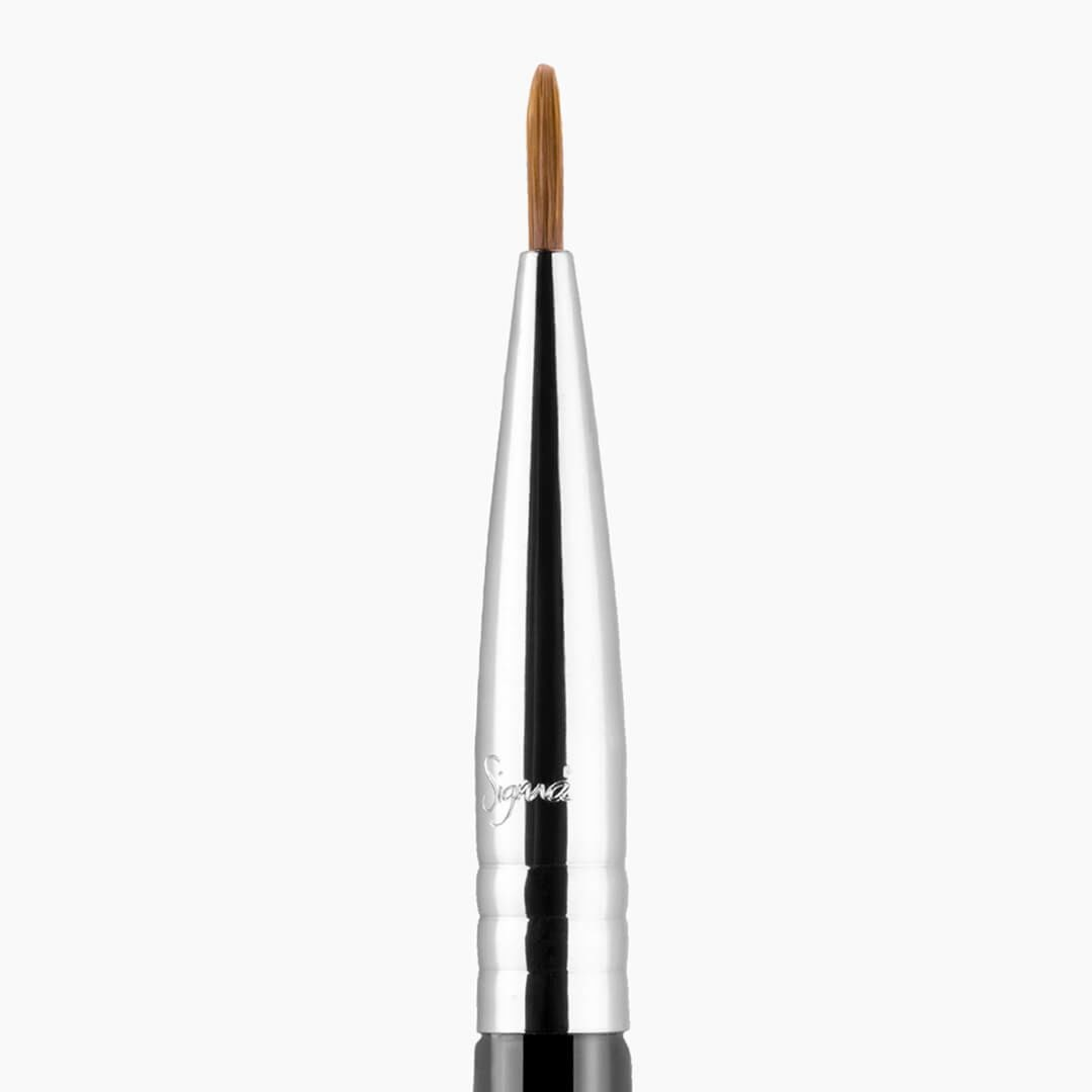 E10 - SMALL EYE LINER BRUSH 1