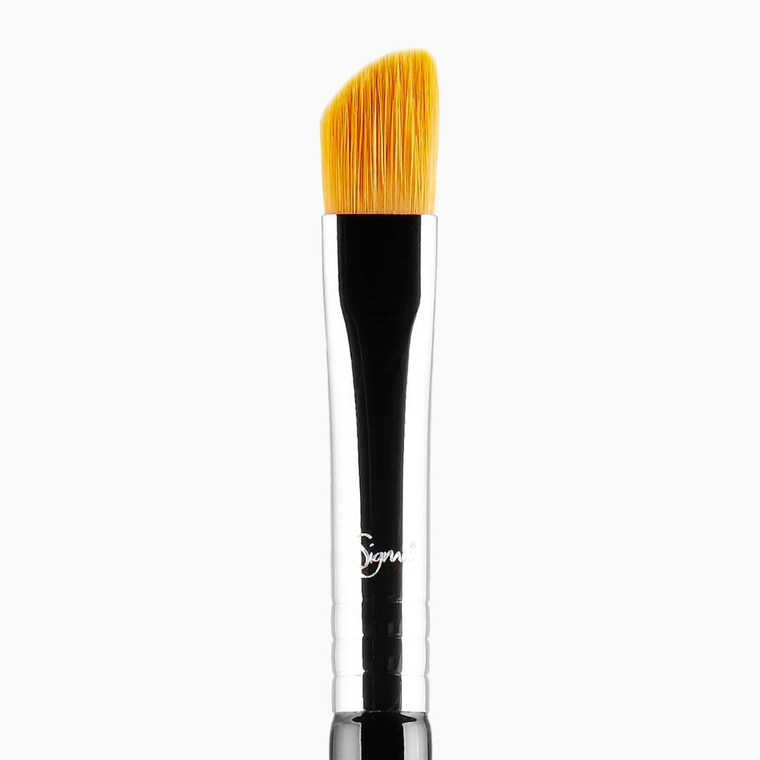 E62 - CUT CREASE BRUSH 1