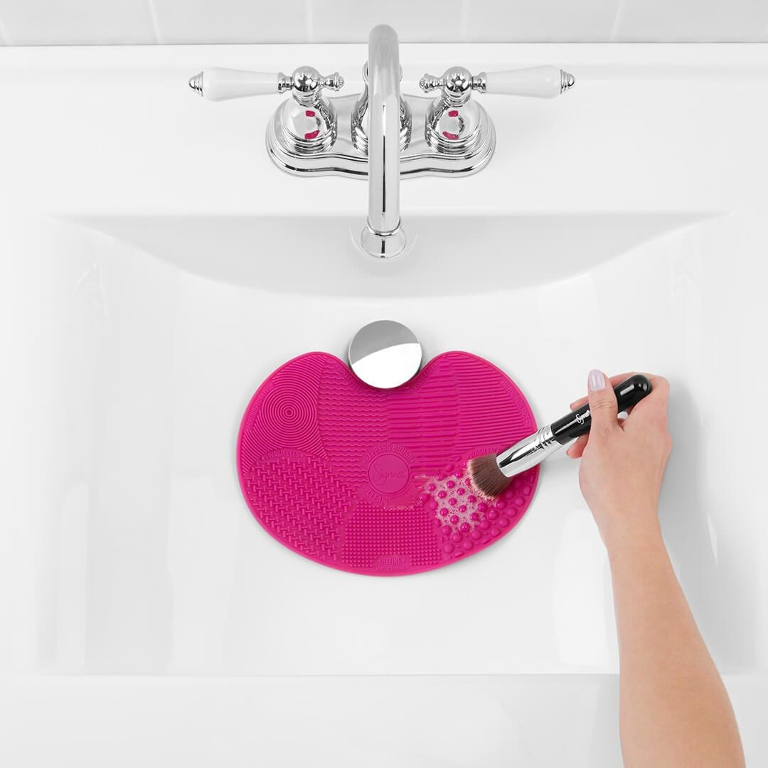 SPA® EXPRESS BRUSH CLEANING MAT 5