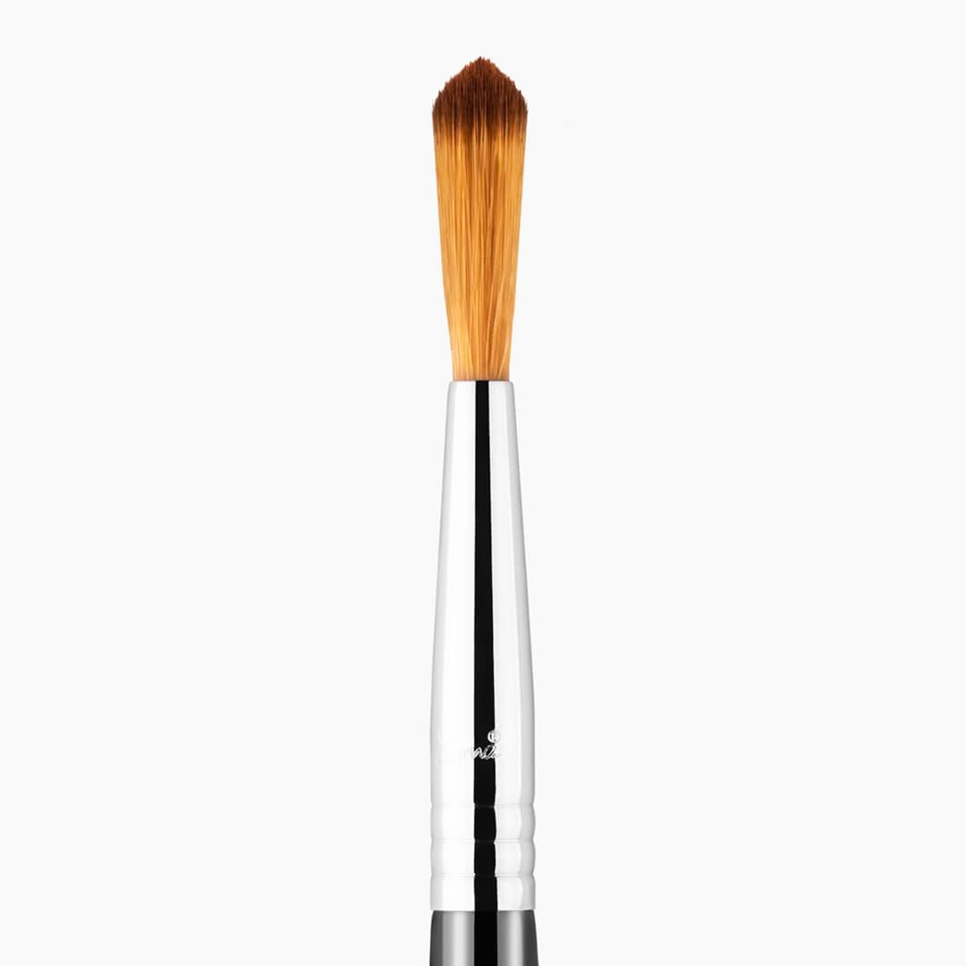 F71 - DETAIL CONCEALER™ BRUSH 1