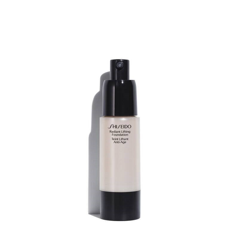 RADIANT LIFTING FOUNDATION SPF15 3