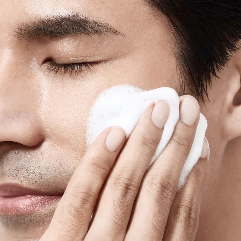 MEN FACE CLEANSER 4