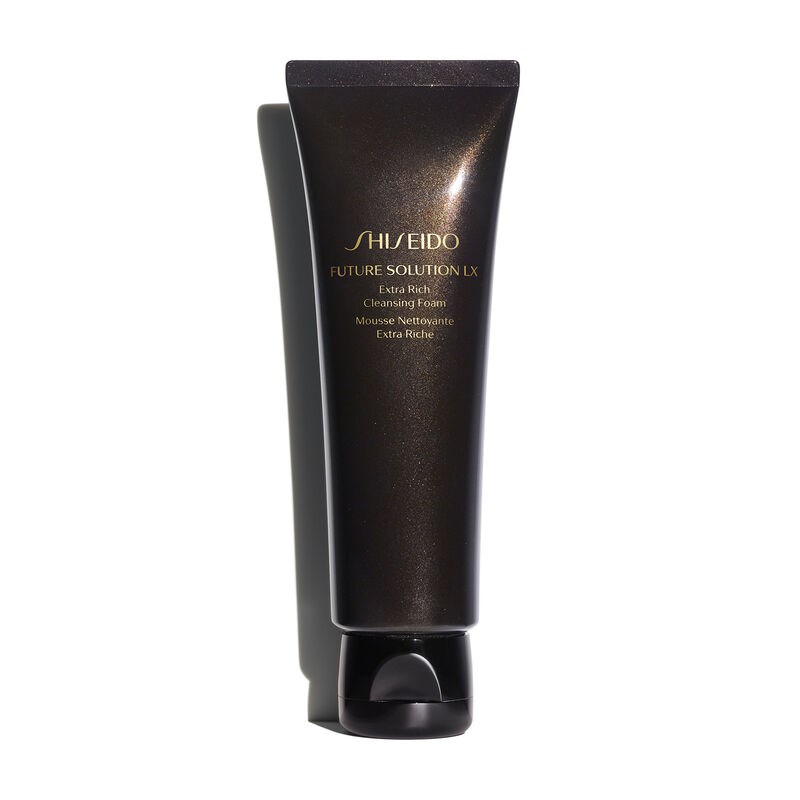 NEW FUTURE SOLUTION LX EXTRA RICH CLEANSING FOAM 1