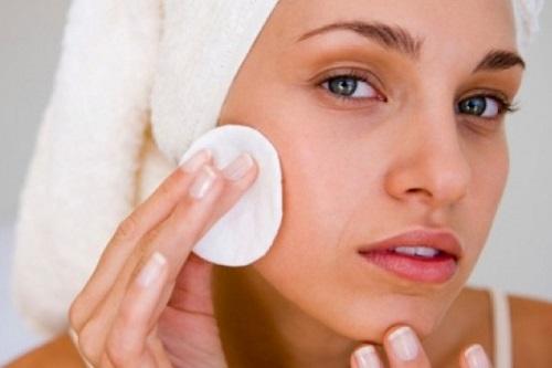 Suya dayanıklı makyaj nasıl temizlenir?